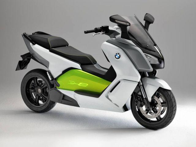 Incentivi anche per scooter elettrici e moto elettriche.