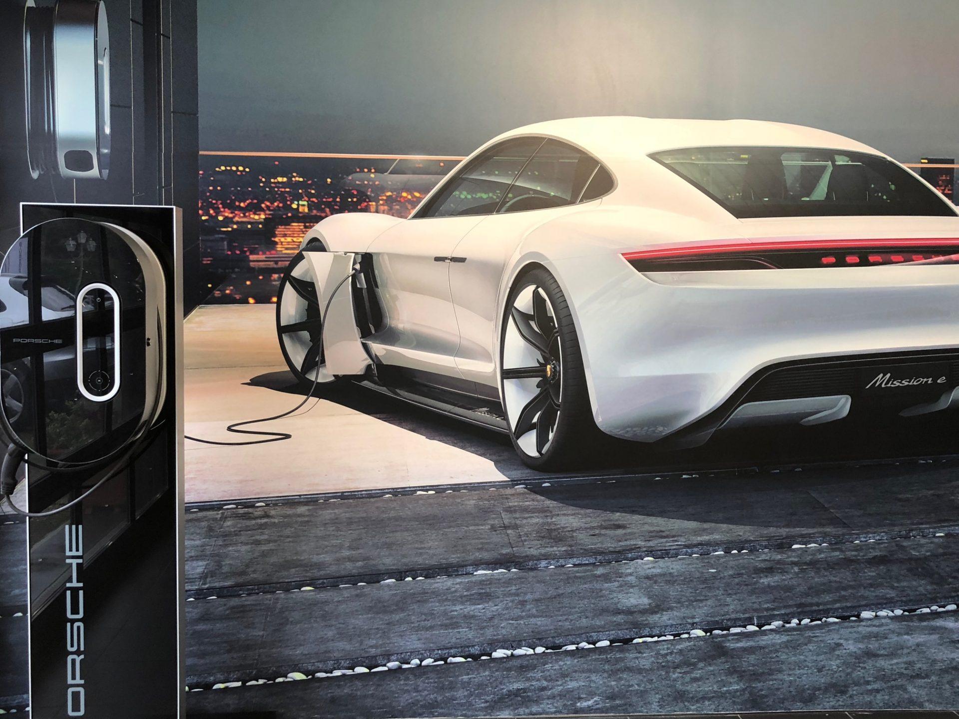 Porsche Taycan, l'elettrica di casa Porsche arriva a settembre sul mercato.