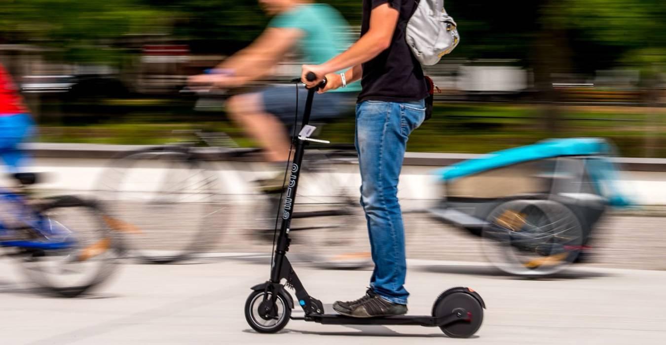 Monopattino elettrico come le bici