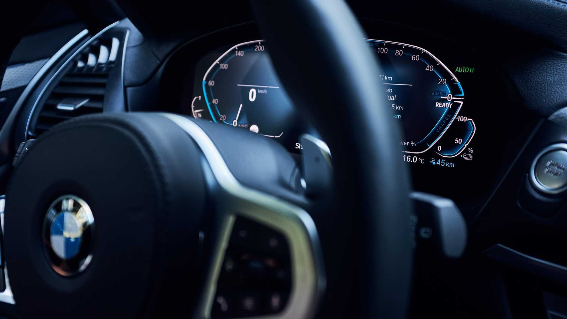 BMW X3: Un ibrido plug-in da oltre 40 km in elettrico.