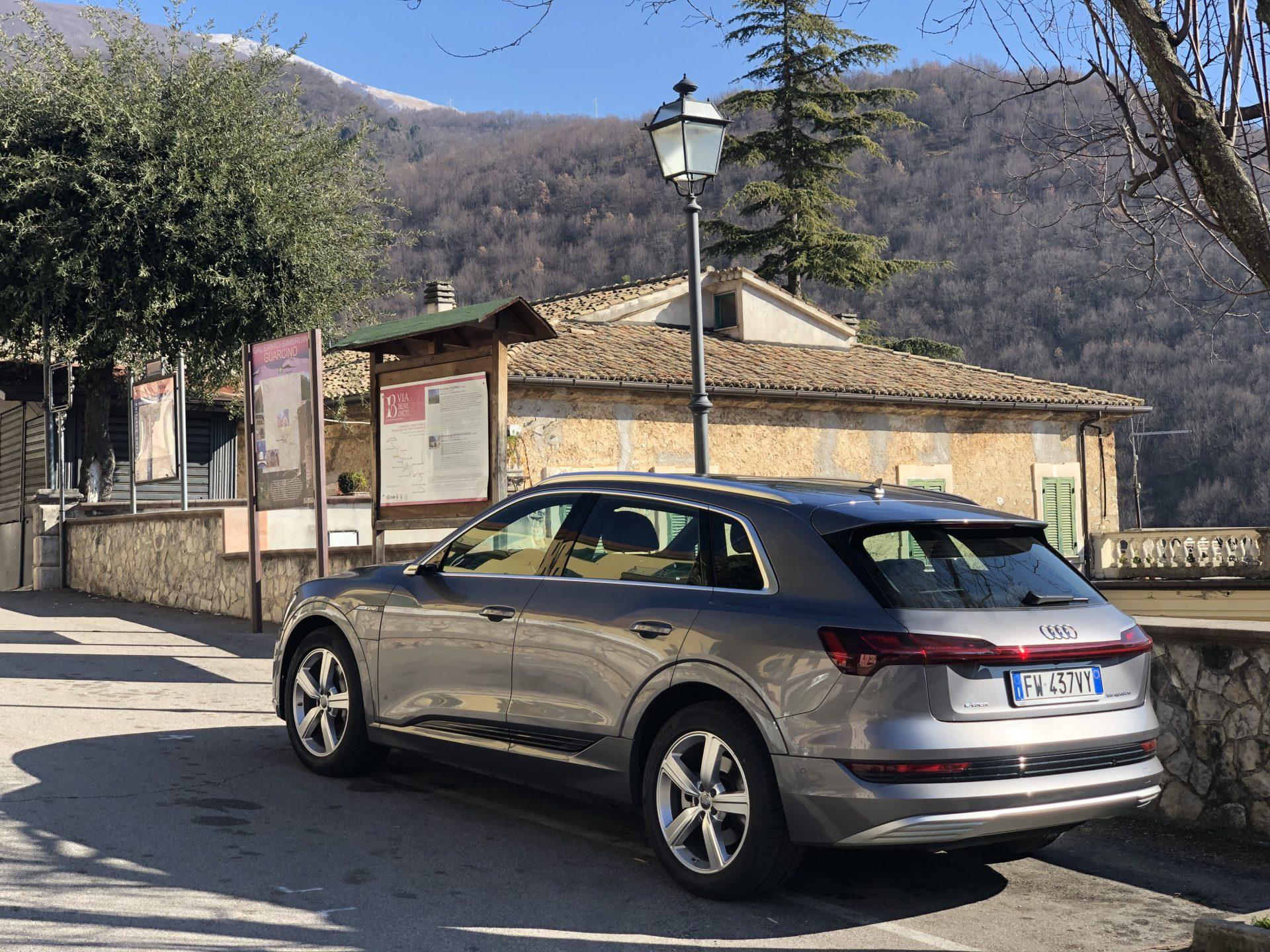 Audi e-tron: Il primo modello Audi completamente elettrico