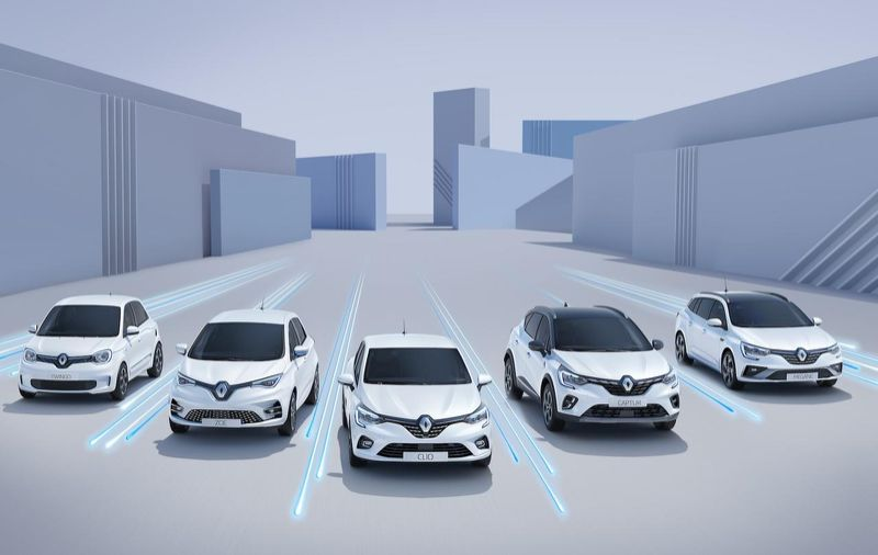 La casa francese lancia la sua offensiva:'Electric Mobility For You'