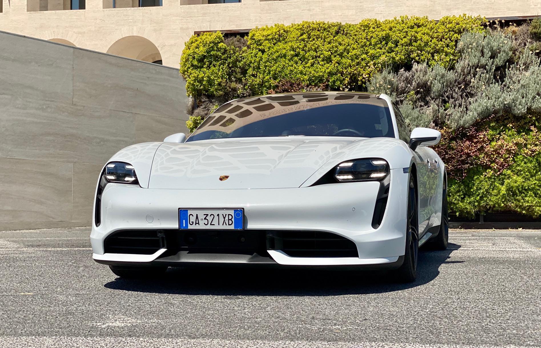 PorscheTaycan: il veicolo del brand più venduto in Europa