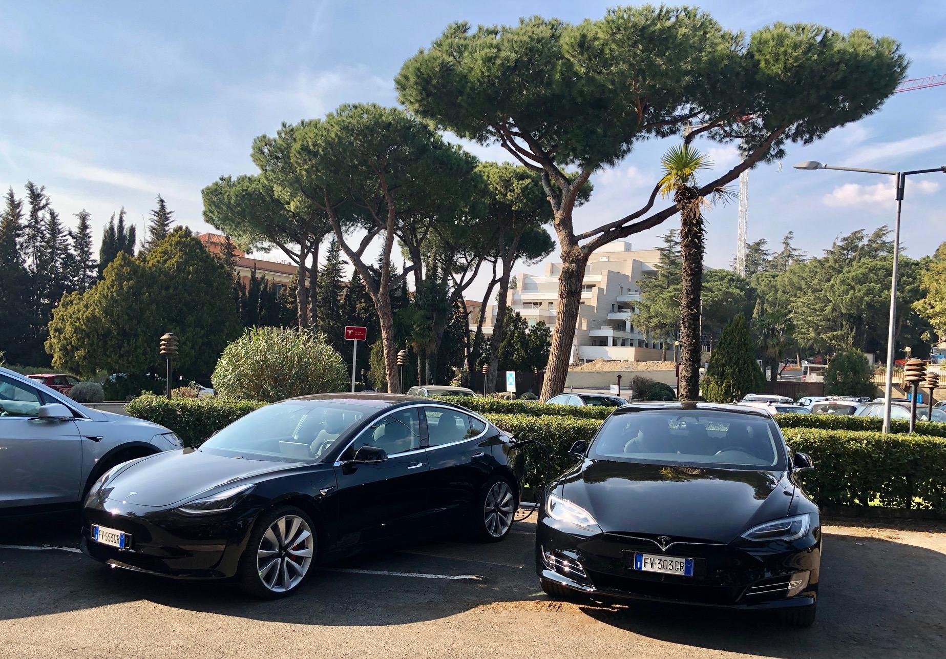 Trovare strutture con Destination Charger (non solo Tesla), non è mai stato così facile. Nasce EViaggio, una nuova piattaforma tutta italiana.